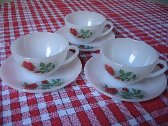 "Tasses Arcopal France motif ""Rose rouge"" x3 - Grand format - Avec sous-tasses"