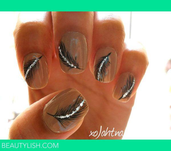 Feather Nails: Nails Art, Nails Design, Nailart, Accent Nails, Makeup, Feathers Design, Peacocks Feathers, Sparkle Feathers, Feathers Nails
