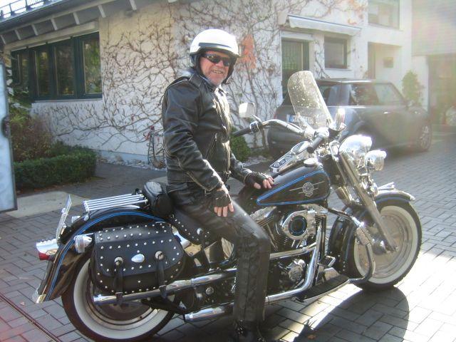 Cop on tour