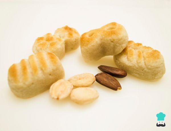 Aprende a preparar masa de mazapán - muy fácil con esta rica y fácil receta. La masa de mazapán es un dulce hecho a base de almendras y azúcar que se puede comer de...