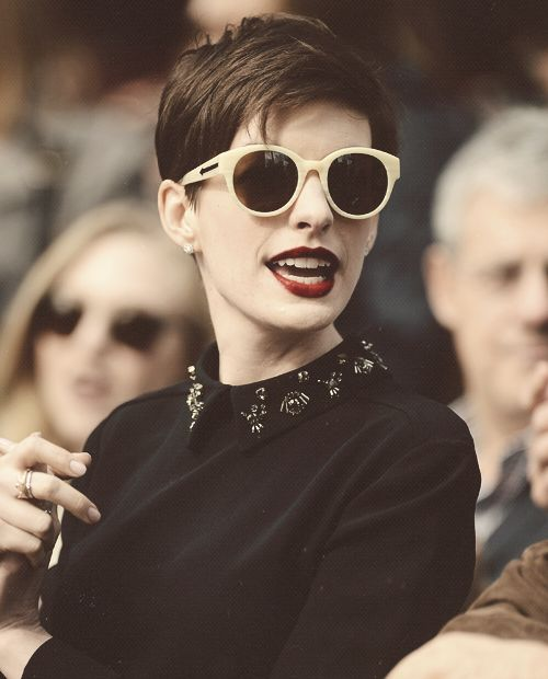Anne Hathaway, Gorgeous pixie like look.