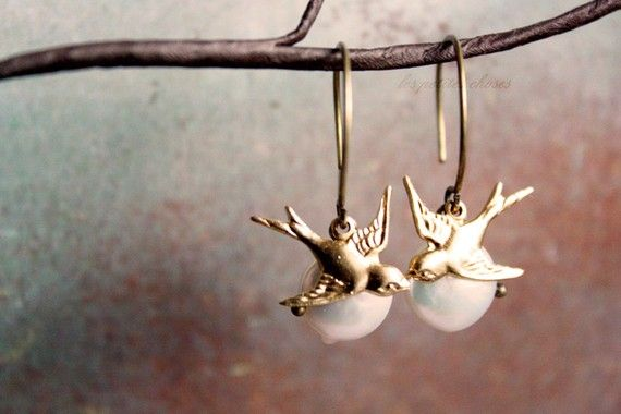 Over the Moon  Bird Earrings  simple everyday by verarodrigues, $18.00: Earrings Simple, Simple Everyday, Drop Earrings, Jewelry Ideas, Bird Earrings, Birds Earrings, Moon Birds, Everyday Jewelry, The Moon