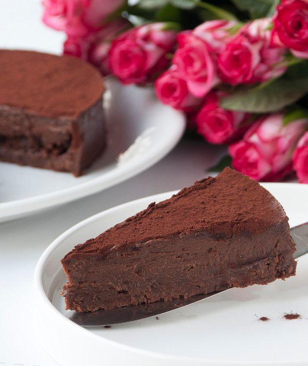 Μια τούρτα που επανορίζει την έννοια «στέρηση», αφού είναι νηστίσιμη και επιπλέον είναι κατάλληλη για όσους δεν τρώνε γλουτένη.