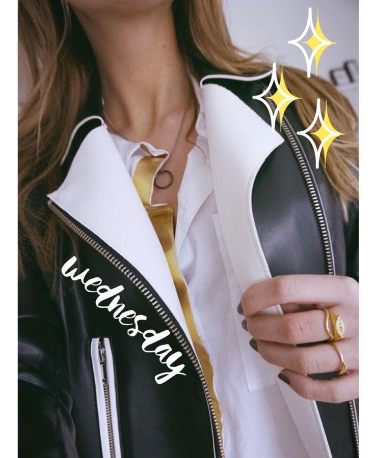 Styling by anniealbertsson showing Evil Eye Ring Gold UDGÅET, Plume Ring Gold, Wave Single Zirconia Ring Gold and Infinity Zirconia Ring Gold  #jewellery #Jewelry #bangles #amulet #dogtag #medallion #choker #charms #Pendant #Earring #EarringBackPeace #EarJacket #EarSticks #Necklace #Earcuff #Bracelet #Minimal #minimalistic #ContemporaryJewellery #zirkonia #Gemstone #JewelleryStone #JewelleryDesign #CreativeJewellery #OxidizedJewellery #gold #silver #rosegold #hoops #armcuff #jewls…