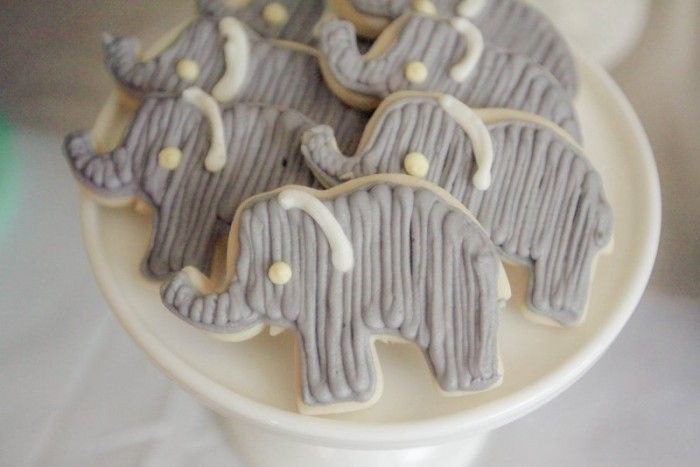 Pretty elephant cookies