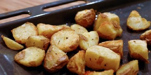 Clotildes ovnsbakte poteter - Her er Clotildes variant p� ovnsbakte poteter - med et lite triks...