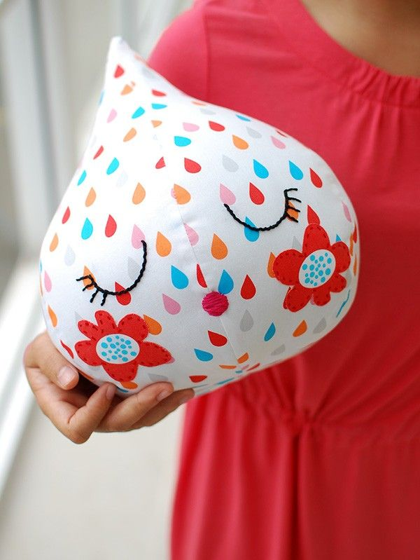 TUTORIAL: Make your own super-cute raindrop softie with Lisa Tilse's step-by-step tutorial and free sewing pattern.: