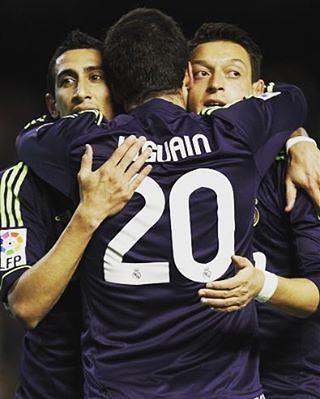 En esta foto están el goleador de la Serie A (Higuaín) y los...