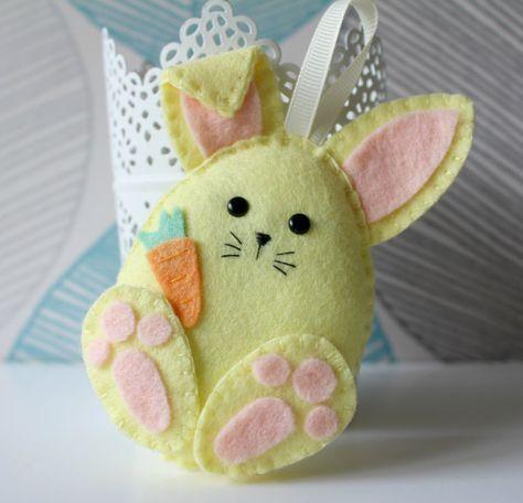Machen Sie Ihre eigenen Filz Ostern Freunde Garland Kit. Ostern Dekorationen. Schnittmuster Ostergeschenke. Ostern Baum Filzgirlande Osterhase