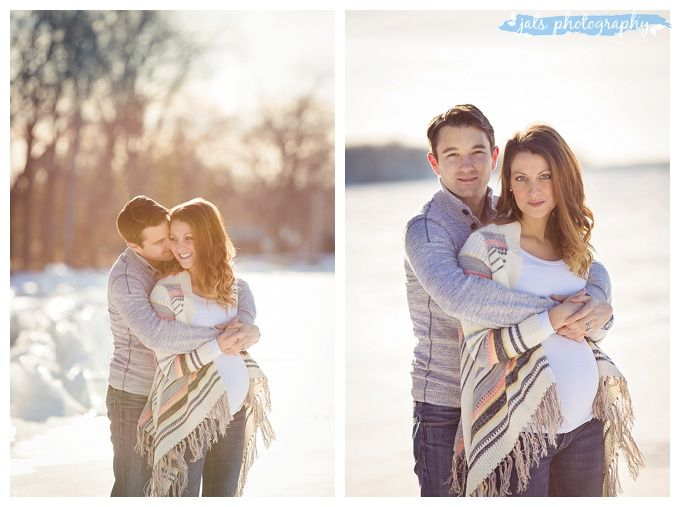 Outdoor maternity photographer winter on ice belleville