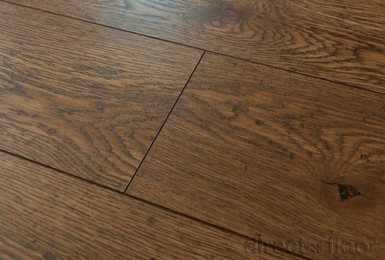 Panele Berry Floor z kolekcji Quadrum - V-fuga pięknie podkreśla rustykalny charaktery tej podłogi