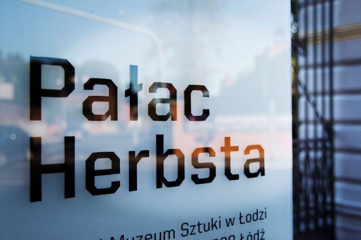 Czy wiecie, że pałac Herbsta powstał w 1875 roku dla córki fabrykanta Karola Scheiblera i jej rodziny? Do 1942 roku mieszkała w tej piętrowej willi w stylu włoskiego renesansu rodzina Herbstów a od 1976 roku pałac stał się częścią Łódzkiego Muzeum Sztuki. #PałacHerbsta #KsiężyMłyn
