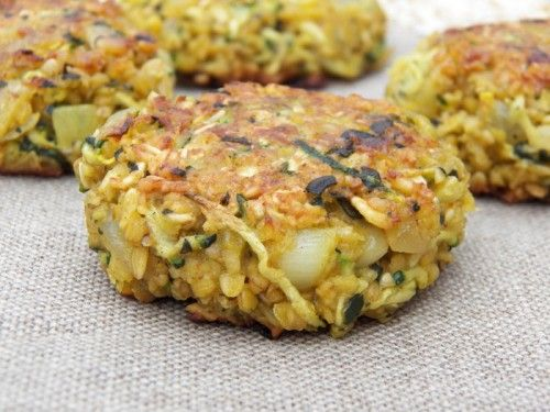 Vegetarian Galettes ~ 160 Grams of oatmeal -1 Grated zucchini -2 eggs -2 onions -1 garlic clove -2 Tablespoons chopped parsley -1 Tsp curry powder -olive oil -salt pepper