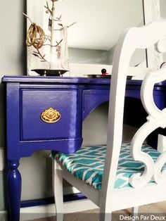 royal blue desk (instead of a turqoise/teal seat cover I'd do orange…