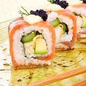 Receta de Roll de tempura de langostinos envuelto en salmón ahumado - Iwao Komiyama