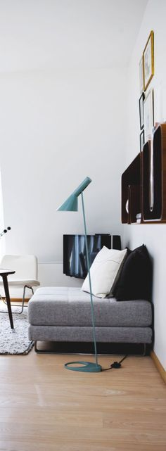 Blue Power | Blue Floor lamp with geometrical lines and a mid century ambiance, perfect for a cosy living room.