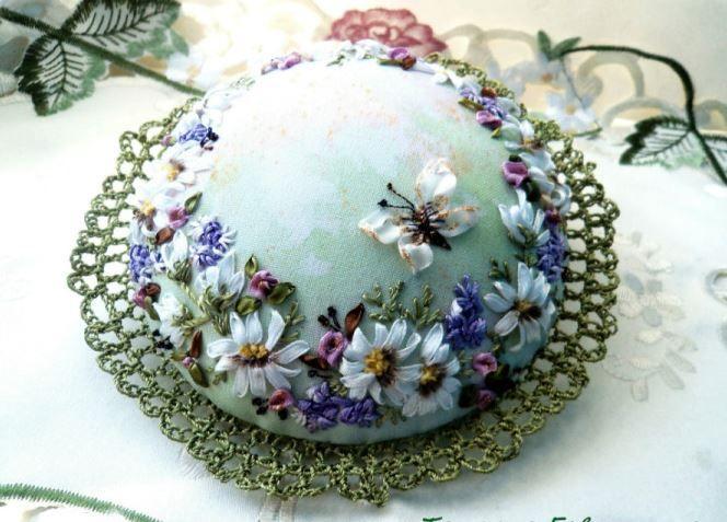 Sweet pincushion with pretty ribbonwork flowers! :)