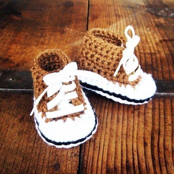 Convers baby booties   #Zapatitos #booties #crochet: Baby Sneakers, Crochet Booty, Crochet Shoes, High Tops, Baby Booty, Crochet Baby Shoes, Crochet Patterns, Baby Boy, Pdf Patterns