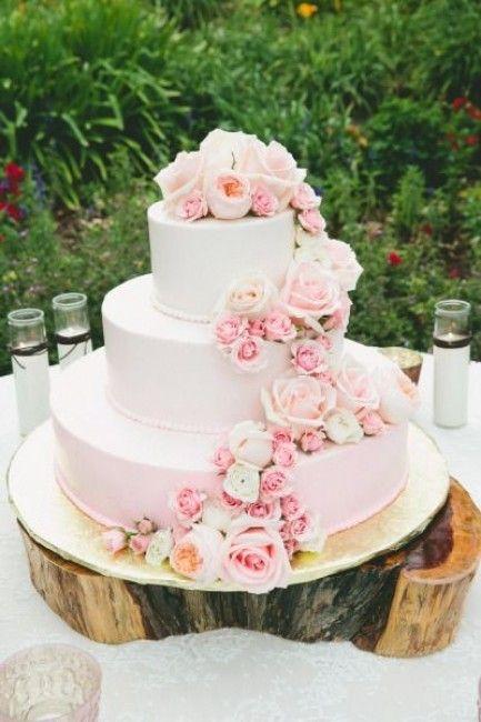 Les 25 meilleures id es concernant fleurs de mariage for Interieur wedding cake