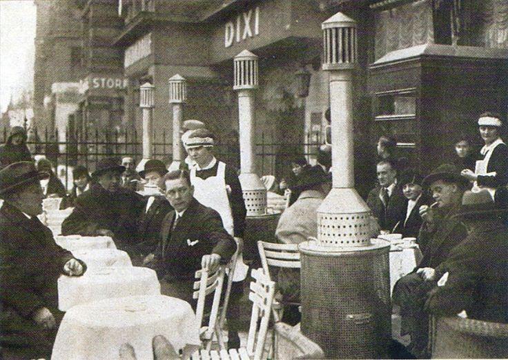 Berlin, Kurfürstendamm, Koksöfen auf Terrassen 1928.