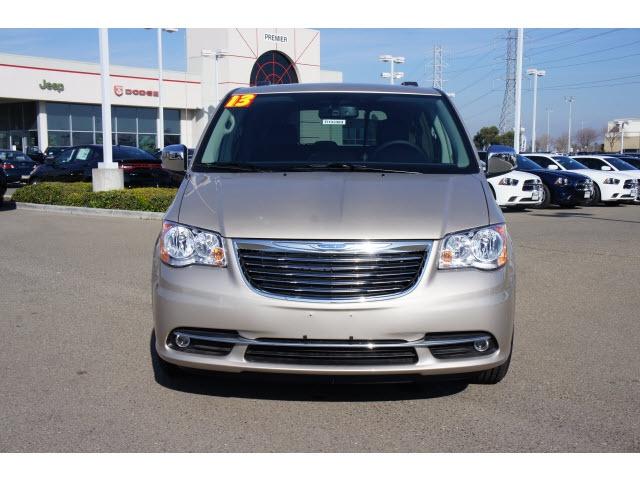 2013 Chrysler Town & Country Touring-L Van Passenger