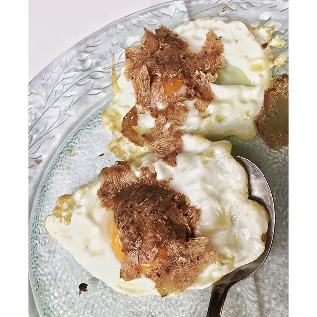 The proper way to welcome #autumn - #uova 🍳 e #tartufobianco (#eggs and #whitetruffles ) at #savigno