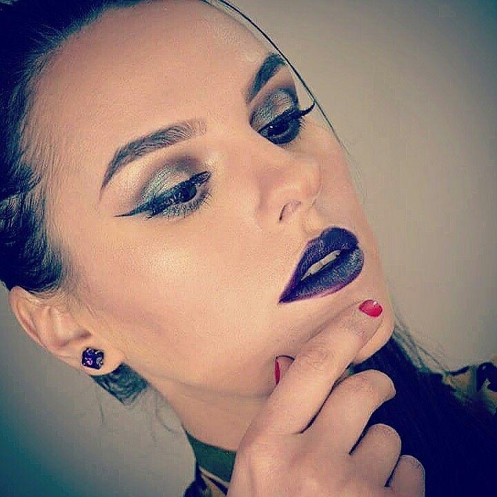 Makeup  Wet n wild vamp it up lipstick @eltamakeup