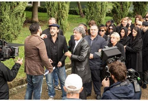 Spettacoli: #Smile #Factor: si #gira il film che inizia con i funerali di Carlo Conti (link: http://ift.tt/2dU3dgW )