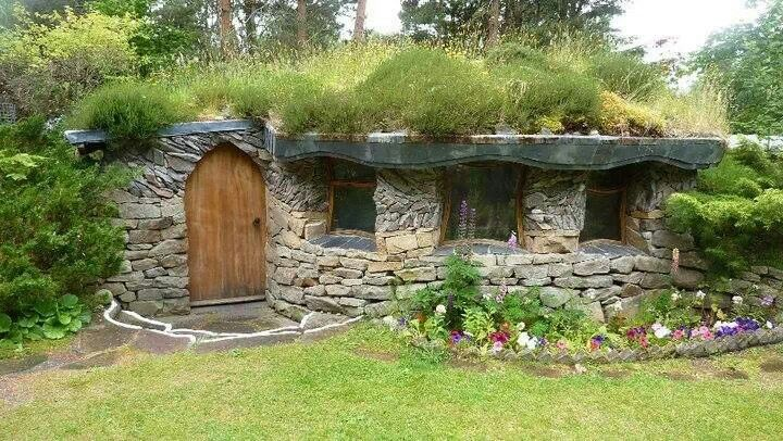 irish cottage quaint cottages pinterest irish cottage hobbit and irish. Black Bedroom Furniture Sets. Home Design Ideas