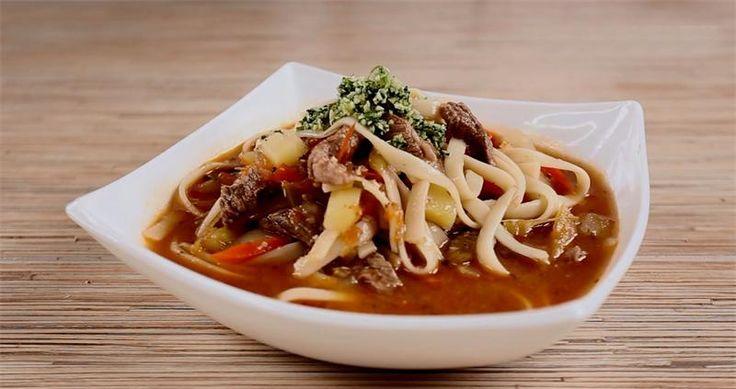 Лагман: рецепт Лагман – оригинальное восточное блюдо, имеет собственный неповторимый вкус и аромат. В состав блюда входят лапша ручной работы и овощная (мясная) поджарка с использование...