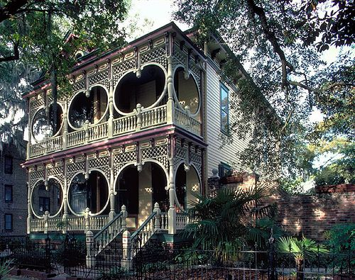 darkhaus:    The Steamboat Gothic House, Huntsville, Alabama    How do I live so close to this and didn't know that it existed?! =(