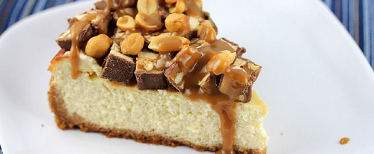 Cheesecake com Chocolate Snickers