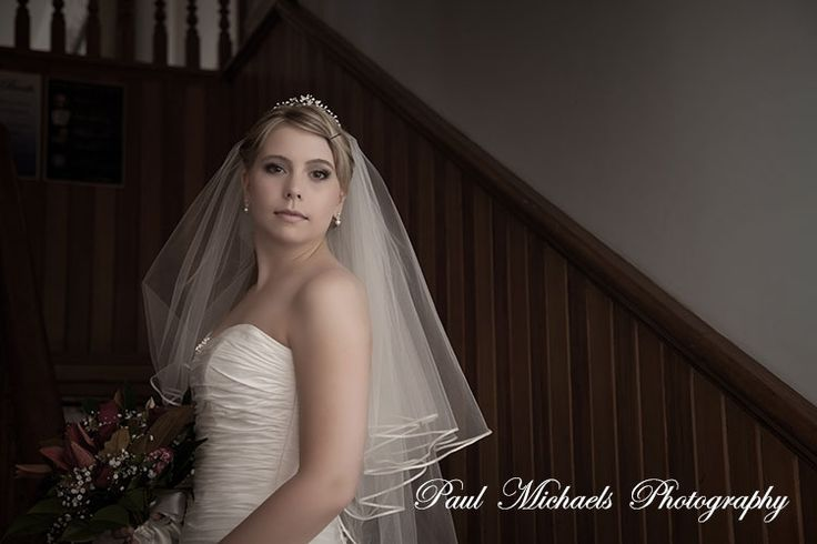 Beautiful bride at the thistle inn.  Wedding photography in Wellington, New zealand. Pictures by PaulMichaels photographers http://www.paulmichaels.co.nz
