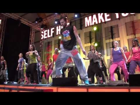 Belly dance with a bit of African dance #Zumba style routine. Song: Shakira - Tony Chamoun