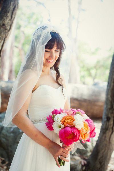 Entdecken Sie die neuen Brautfrisuren mit Pony für 2017! 10 Styling-Ideen für einen romantischen Brautlook