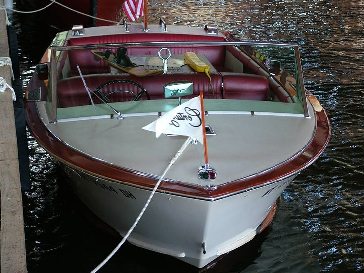 1968 Resorter - A perfect boat. Century Boat Club Inc. visit our web page http://www.centuryboatclub.com