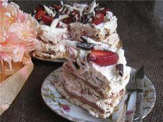 Торт Ореховое безе с шоколадом и клубникой (Nut Meringue With Chocolate And Strawberries). пошаговый рецепт с фотографиями