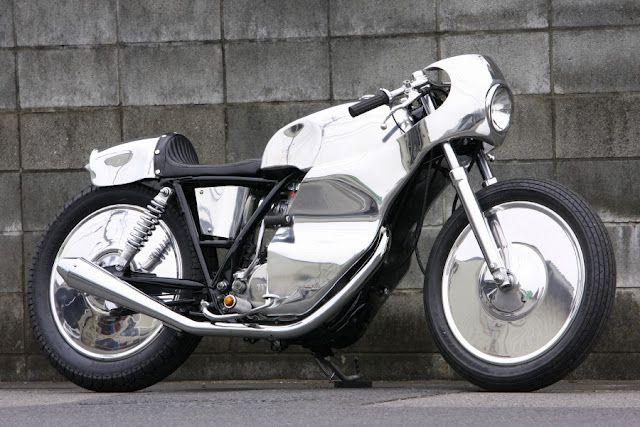 Custom Yamaha SR500 full fairing Cafe Racer