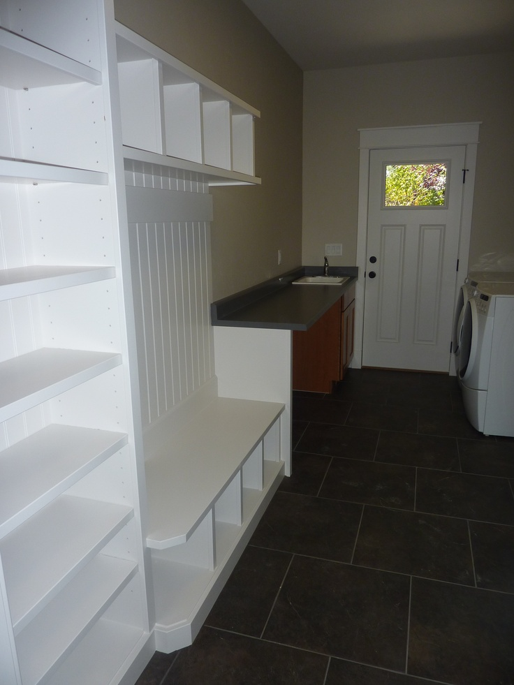 Mud Room/Laundry Room #DoorSpotting Craftsman #CameoHomesInc