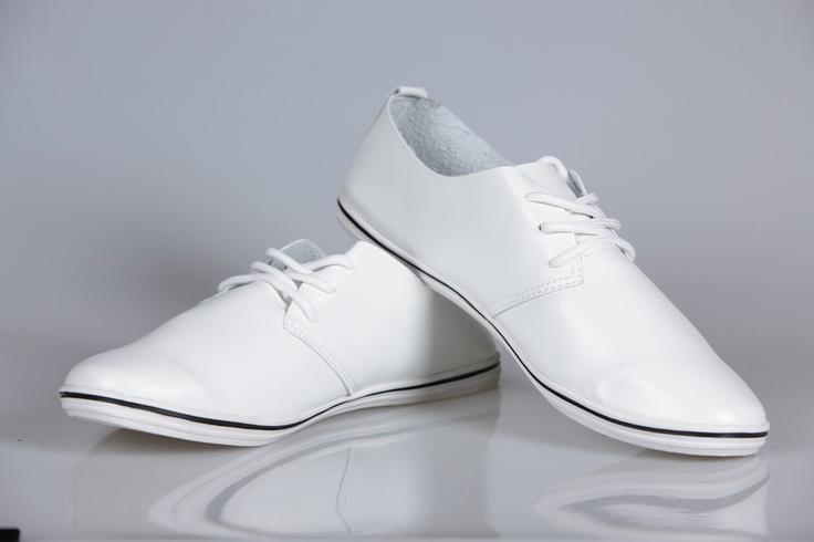 Pantofi Casual Barbati Cody White: 49 Lei