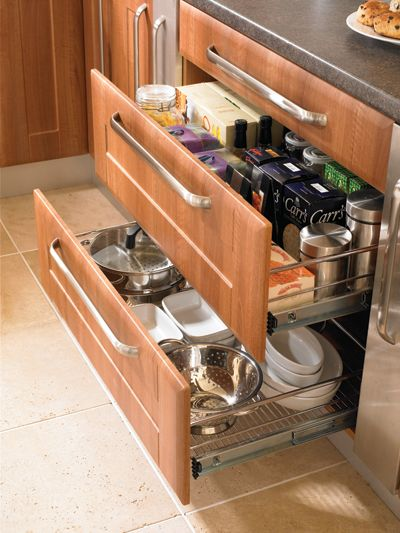 Pull out drawers for a 1000mm base unit!!!
