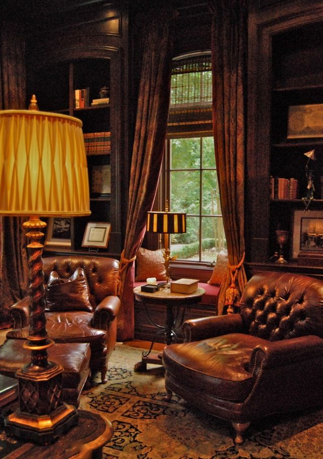I want to walk in this room and add an autumnal arrangement of leaves, rose hips & berries. Then I could settle.