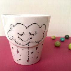 Tazza mug dipinta a mano con una nuvoletta con gli occhi chiusi - nigutindor -