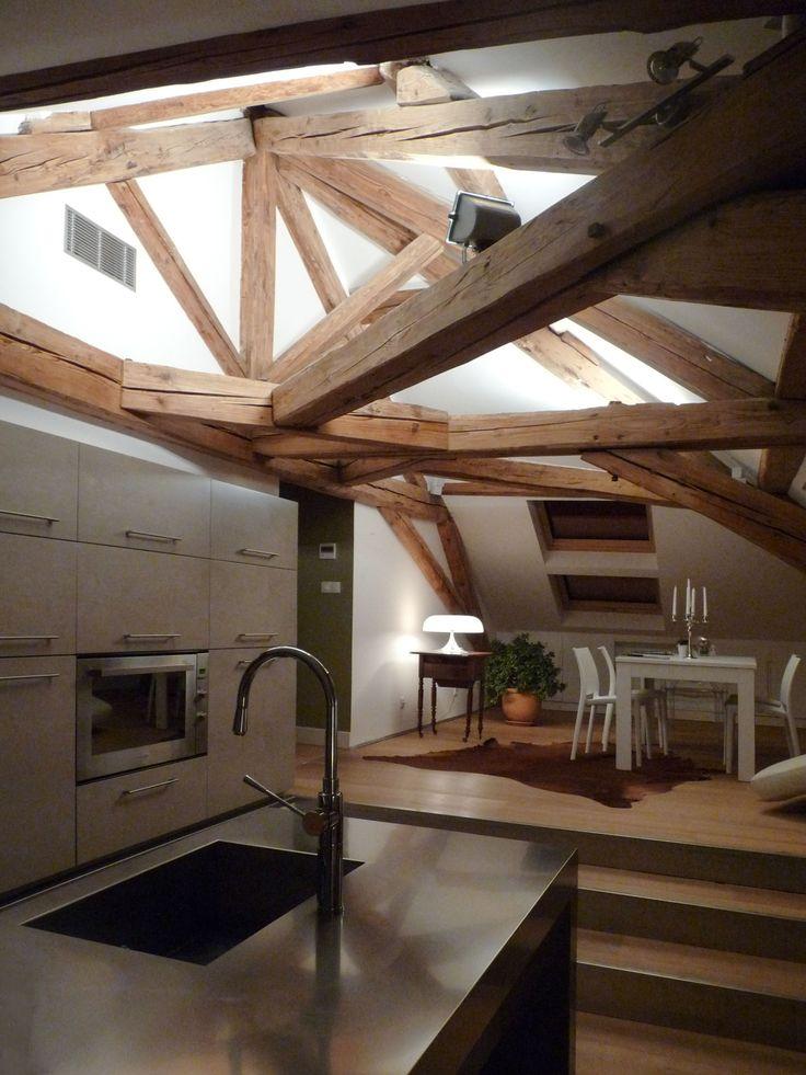 la zona cucina e living dell'attico
