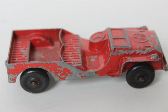 Vintage Tootsietoy Armee Jeep rotes Auto Druckguss Metall große antike rote Spielzeug Jeep Antik Sammlerstück c