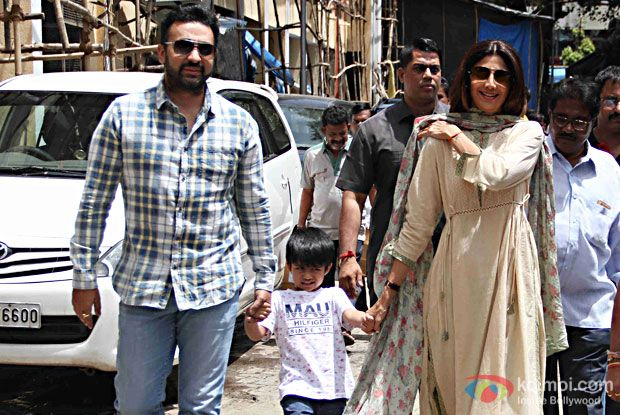 Pics: Shilpa Shetty & Family Welcome Ganpati Bappa At Home