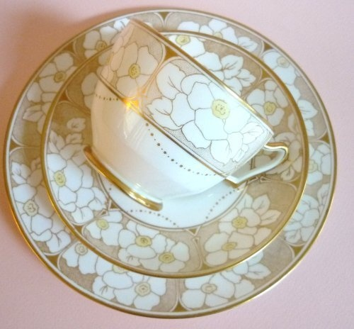 Paragon Vintage English Fine Bone China Tea Cup Trio White Gold Florals