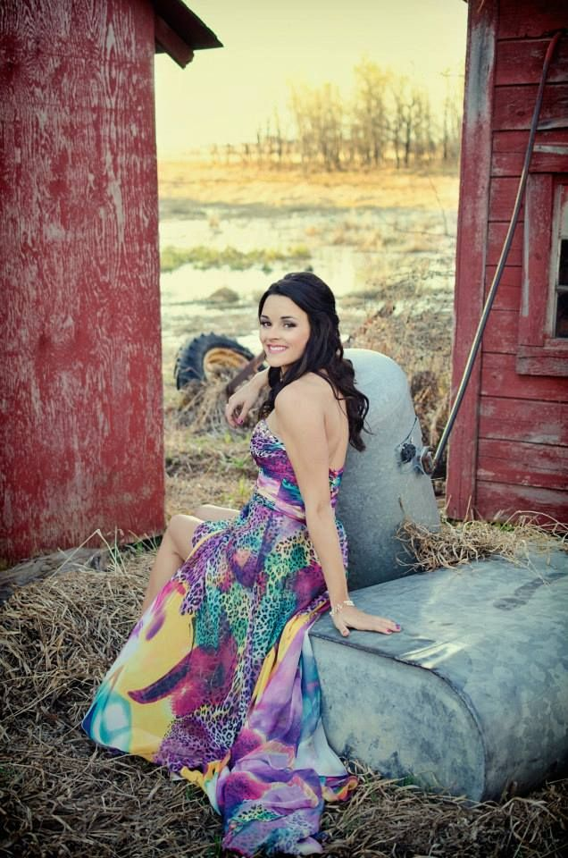Country girl grad pictures!