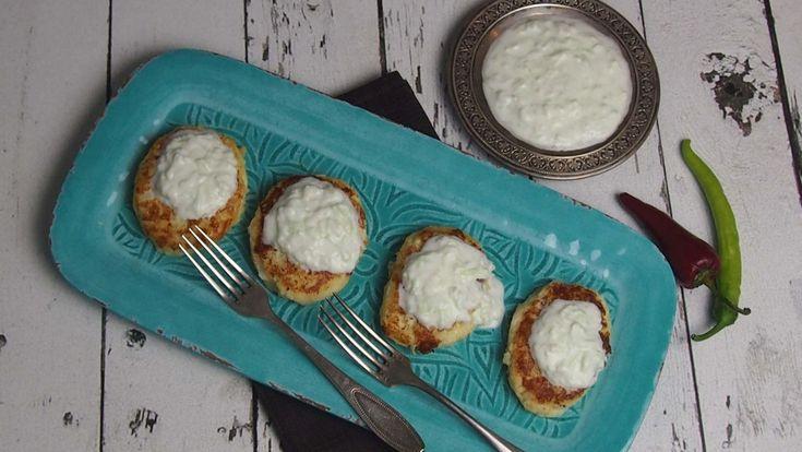 Cheesy cauliflower and potato pancakes recipe / kotlety z kalafiora i ziemniaków