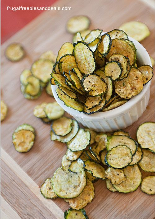 Satisfy that chip craving while keeping on track with your weight loss goals with these healthy salt and pepper zucchini chips.